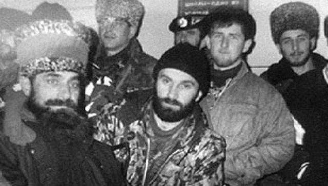 Шамиль Басаев и молодой Рамзан Кадыров, 1996 год.