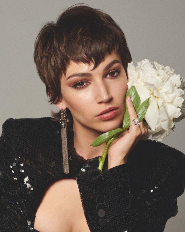 Урсула Корберо — испанская актриса и модель