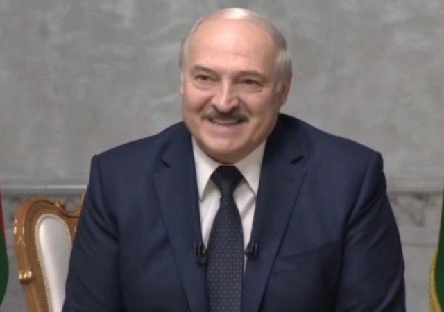 """""""Американцы с космоса видят всё!"""": Александр Лукашенко про полет на вертолете"""