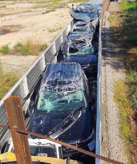 Автомобили всмятку