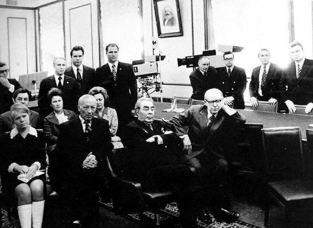 Брежнев и товарищи на просмотре новинок мирового и отечественного кинематографа, Москва, 1975 год.