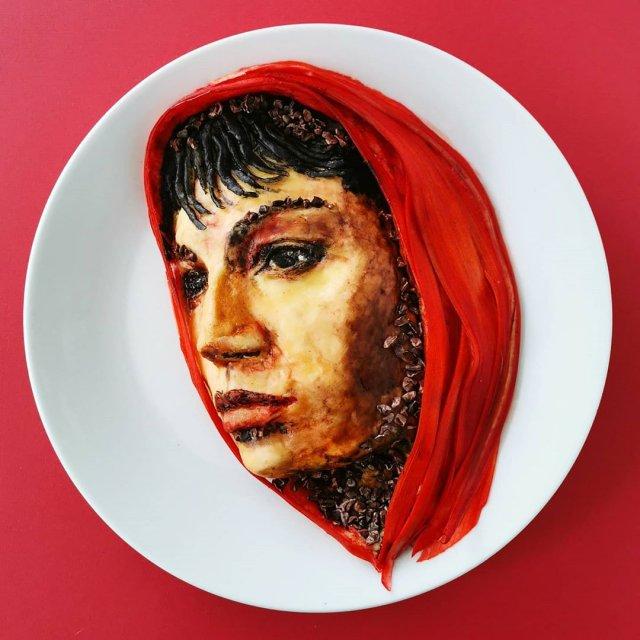Йоланда Стоккерманс приготовила блюдо в виде девушки с красным платком