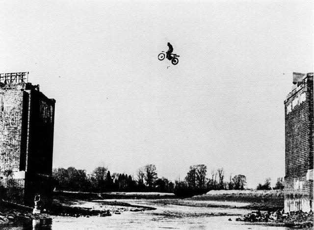 Прыжок Джо Рида занесенный в книгу рекордов Гиннеса, 1998 год.