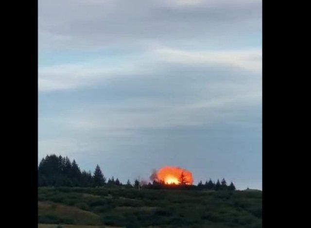 Момент падения космической ракеты, запущенной конкурентами Space X