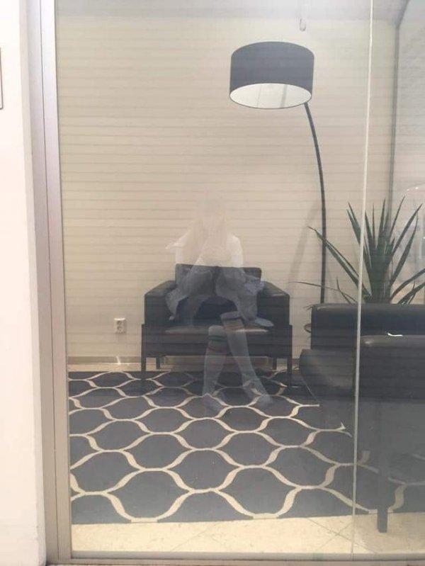 Еще один офисный призрак