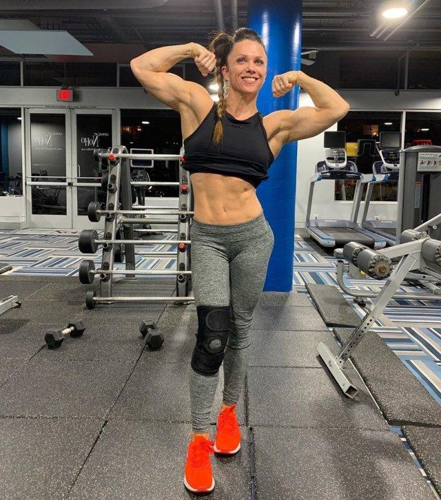 Оксана Гришина - одна из первых чемпионок по бодибилдингу и фитнесу.