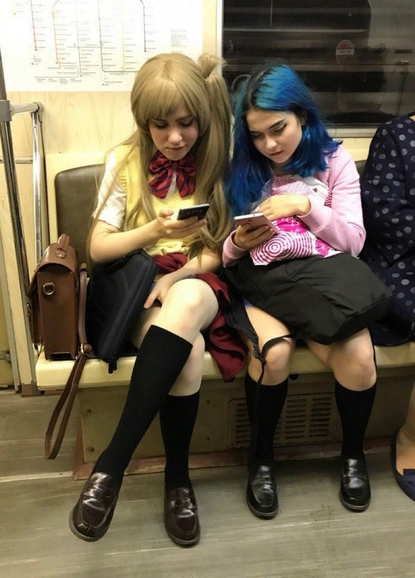 девушки-анимешницы