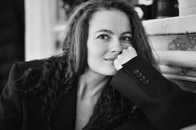 "Анастасия Шульженко - любовница Сергея ""Тарзана"" Глушко в черном пиджаке"