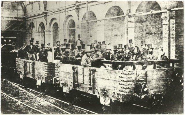 Первая в истории поездка в метро... Лондон, 1863 год.