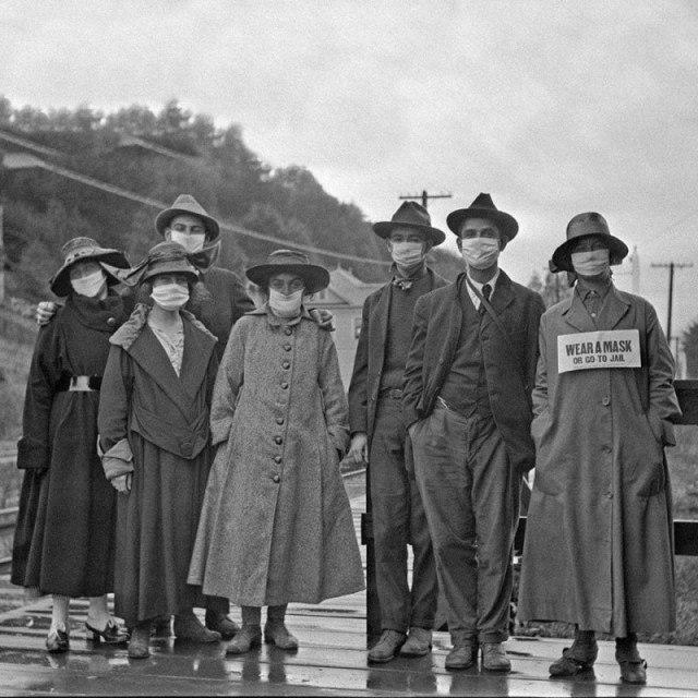 """""""Носите маску или отправляйтесь в тюрьму"""" США, 1918"""