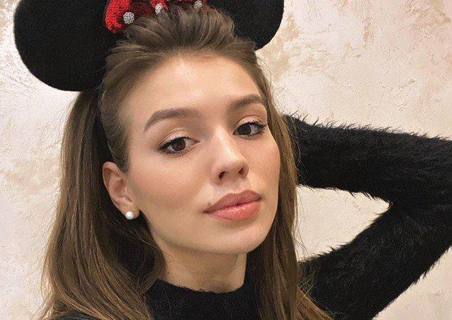 Люся Чеботина в костюме Минни-Маус
