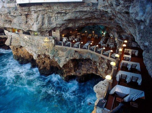 Отель Grotta Palazzese, Италия