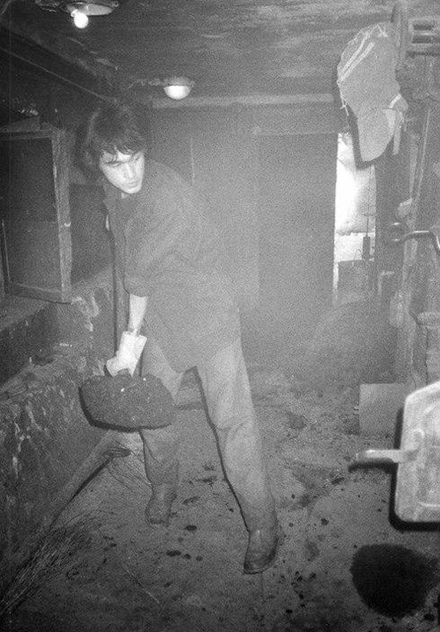 Виктор Цой в котельной, конец 80-х.