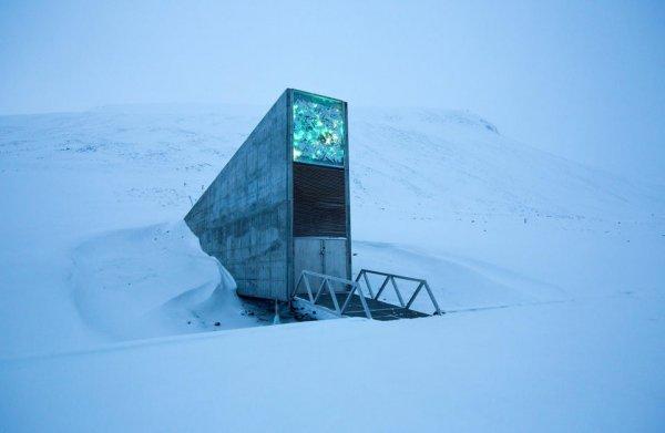 Вход во всемирное семенохранилище на Шпицбергене, Норвегия