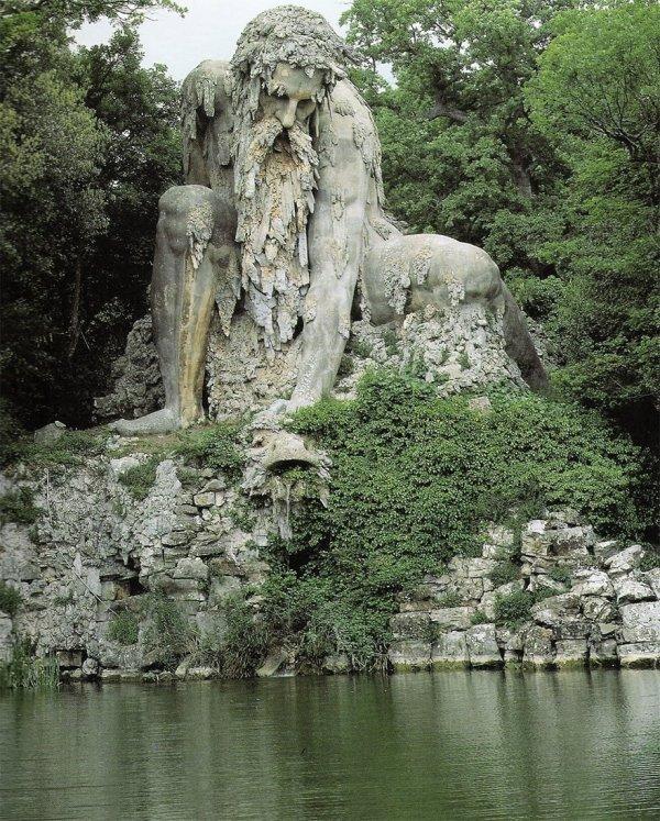 10-метровая скульптура «Аллегория Апеннин», Флоренция, Италия