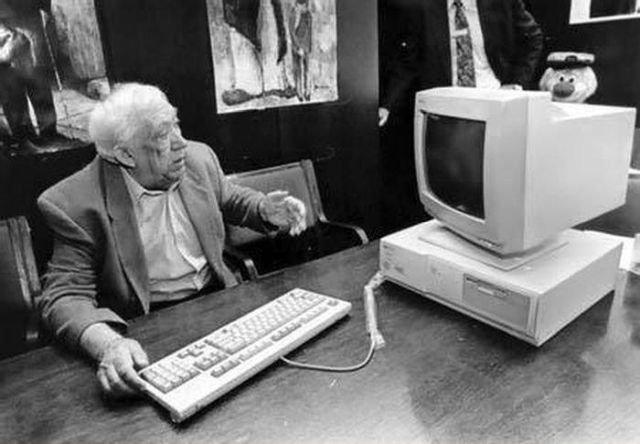 Юрий Никулин знакомится с компьютером, 90-е.