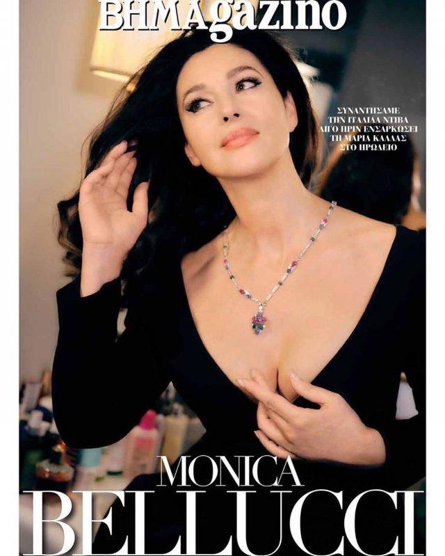 Моника Беллуччи в черном платье