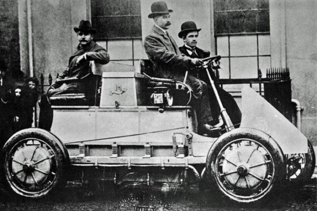 Автомобиль Lohner–Porsche на Всемирной выставке, 1900 год, Париж