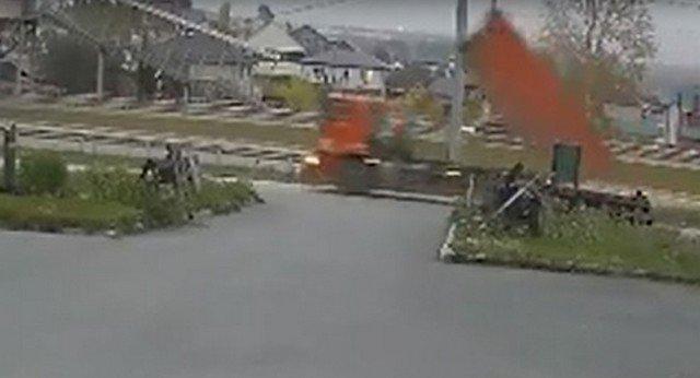Авария с Камазом в Екатеринбурге