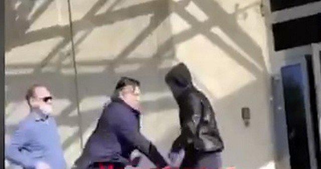 Эльман Пашаев в центре и нападавшие