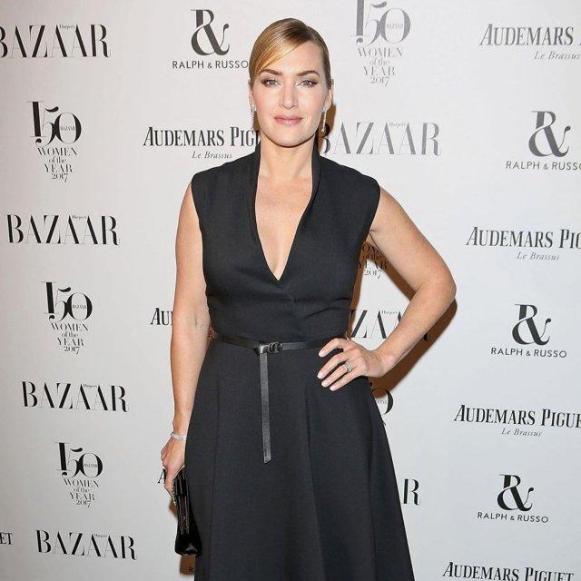 Кейт Уинслет в черном платье на показе