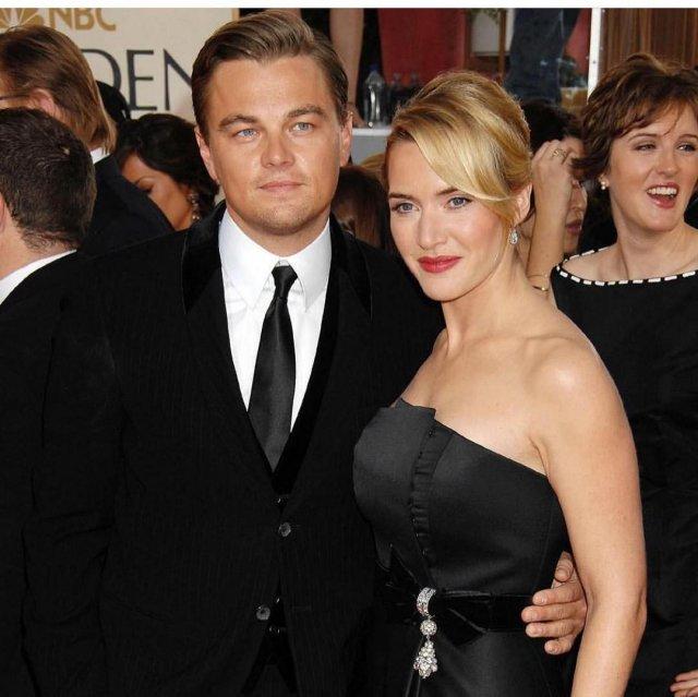 Кейт Уинслет в черном платье без бретелек с Леонардо ДиКаприо