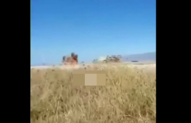 """Армянские солдаты сняли на видео """"дрон-камикадзе"""""""