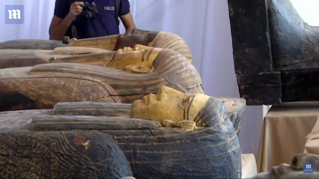 Три саркофага с 2500-летней мумией
