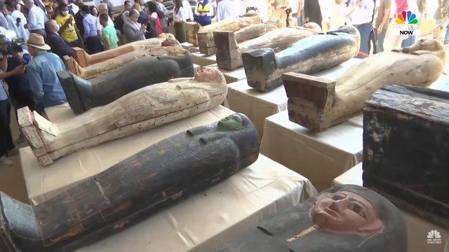 Саркофаги с 2500-летней мумией