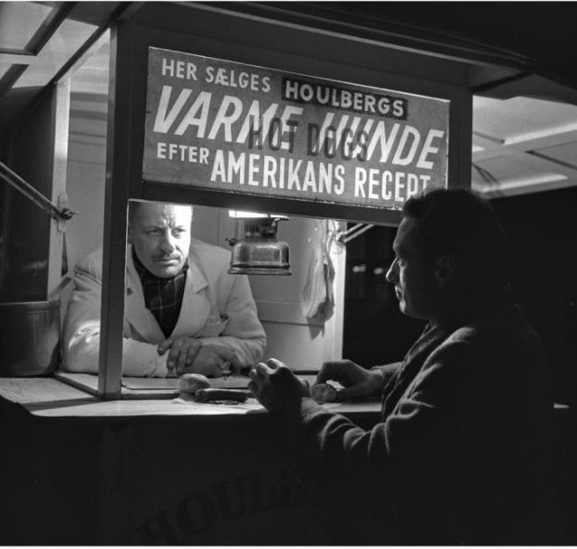 Продавец «горячих собак», Копенгаген, 1955