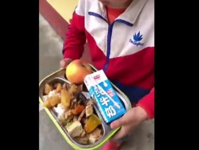 Как кормят в школьных столовых Китая