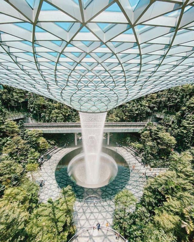Ничего необычного, просто аэропорт в Сингапуре