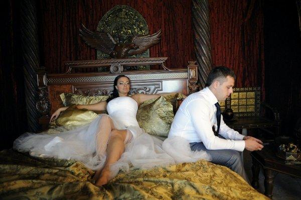 невеста на кровати