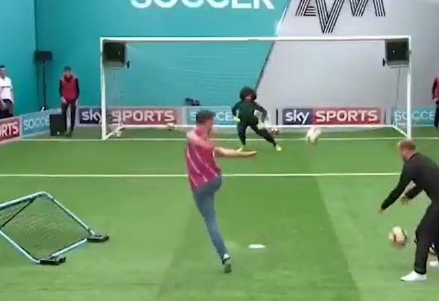 Попадание в девятку - футбол