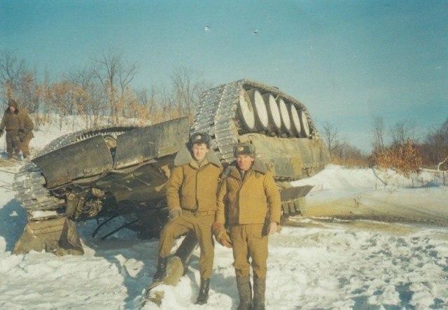 Перевернули Т-80У. 1990-е