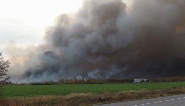В Рязанской области уже до сих пор продолжаются взрывы на складе боеприпасов