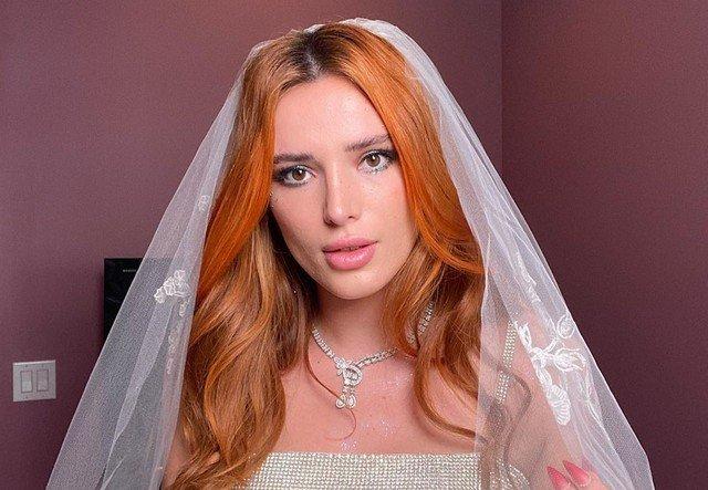 Белла Торн в платье невесты