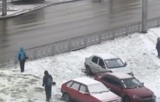Снег в Ленинск-Кузнецке