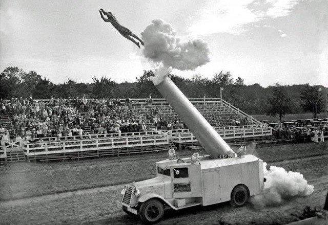 Человек-ракета, 1934 год