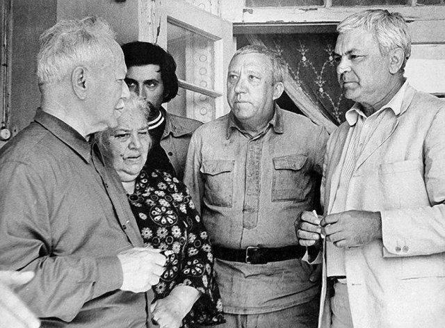 На съёмках фильма «Они сражались за Родину». Фото из архива «Огонька». СССР. 1974 г.