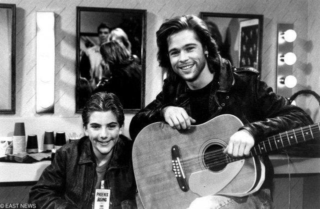 Брэд Питт и Джереми Миллер на съемках ситкома «Проблемы роста», 1989 год
