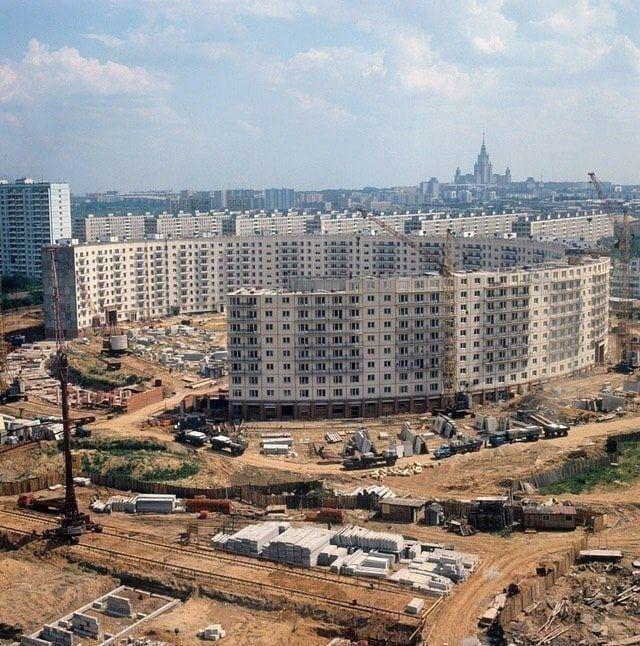 Строительство круглого дома в Москве, 1972 год.