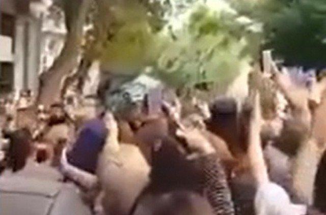 Нападение на Михаила Саакашвили в Афинах