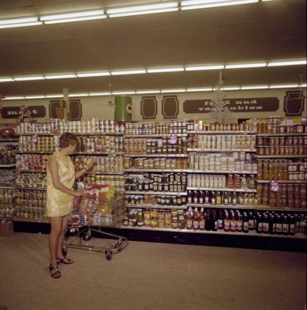 Февраль 1970 года. Австралия. Супермаркет Woolworths