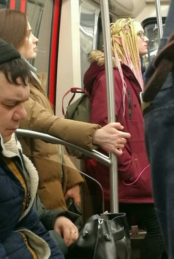 эльф в метро