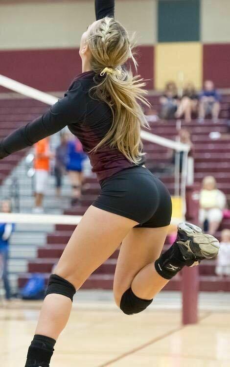волейболистка с хвостиком