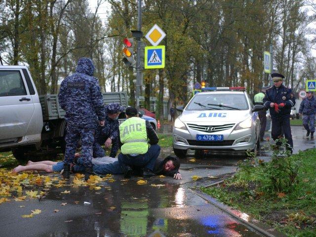 Погоня в Волхове: полиция, сотрудники ДПС и машины