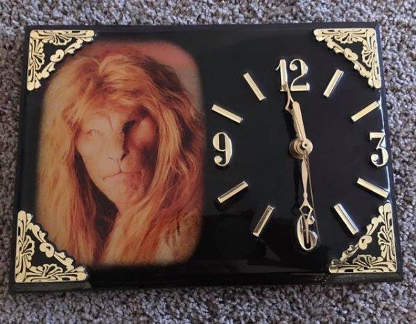 Винтажные часы «Красавица и Чудовище»