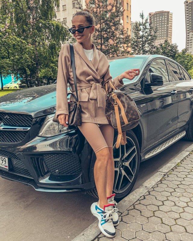 Анна Хилькевич в casual