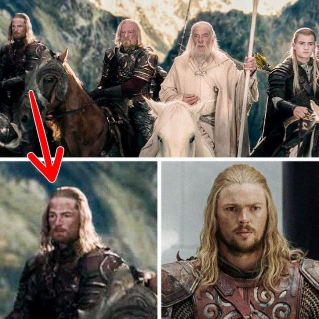 В одной из сцен фильма «Властелин колец: Две крепости» можно четко увидеть дублера актера Карла Урбана (Эомер)